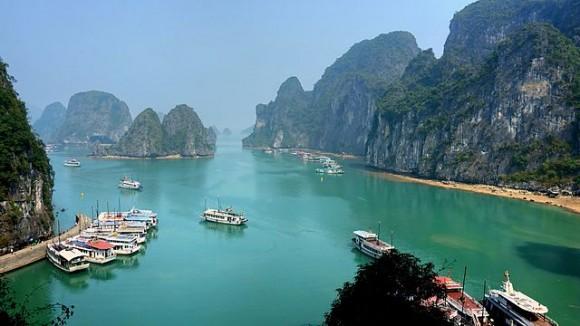Ha Long Bay (Creative Commons)