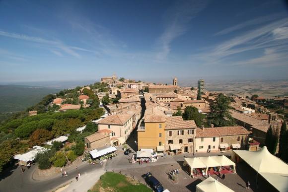 Montalcino_Tuscany_Italy_CreativeCommons