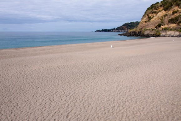 White Sandy Beach (Creative Commons)
